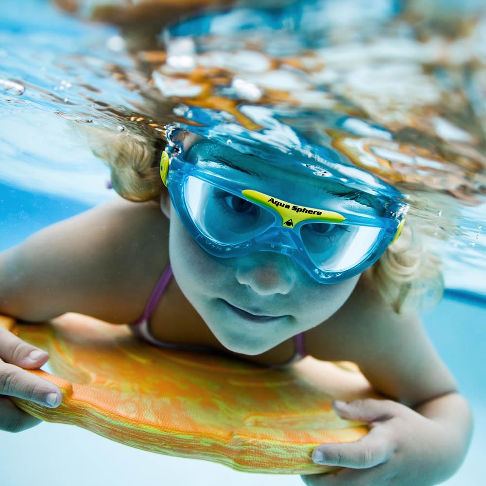 f3c93def95d AquaSphere AquaSphere Schwimmmaske VISTA Junior klar / bluewater-yellow |  Online Shop | W+S Water Safety Europe GmbH | Seit 1999