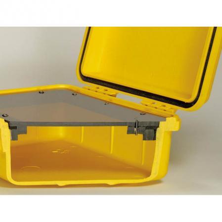 Abb.: Schnitt durch Pelicase mit Rahmen und montierter Trägerplatte - Klick für mehr Information