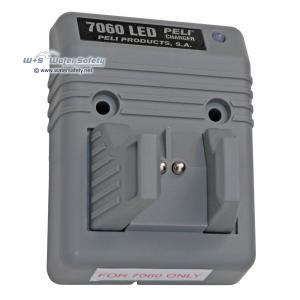 peli-7060f-desk-dash-smart-charger-base-unit-1