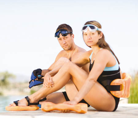 aquasphere-aquafitness-couple-on-pool-450x383px.jpg