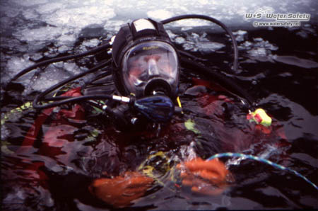 diver-with-full-face-mask-450x288px.jpg